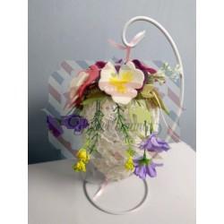 Fustellati kit Uovo in pizzo e fiori in pannolenci